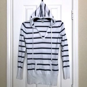 GUESS White / Gray Striped Hoodie Pullover Sweater